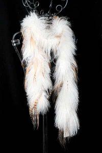Weißes Tibet-Lamm kombiniert mit Langhaar-Ziege