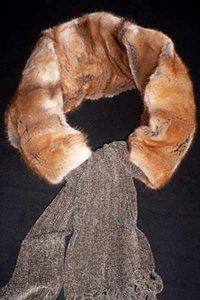Schlauch-Schal aus Bisam-Wammen, mit variablem Stoffschal